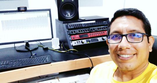 Productor musical, arreglista - Emanuel Romero-Productor