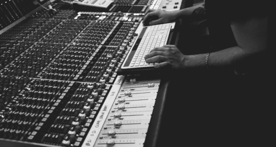 Producer & Mix Engineer - Pat Alvarez