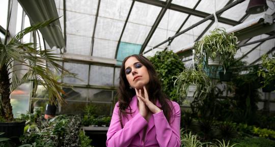 Vocalist, Topliner, Arranger - Sophie Coran