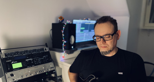Session Guitarist, Songwriter - Gabor Toman