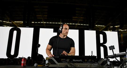 DJ, Turntablist, Scratch DJ - Tom Clugston