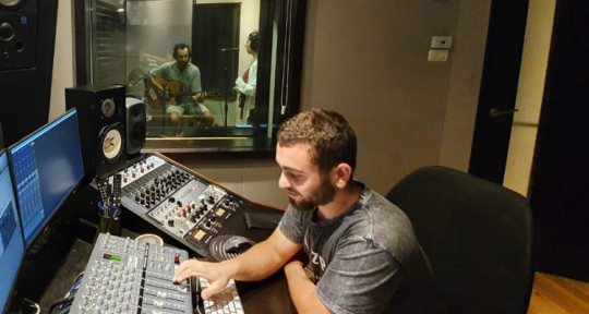 Mixing Producing and a drummer - Dor