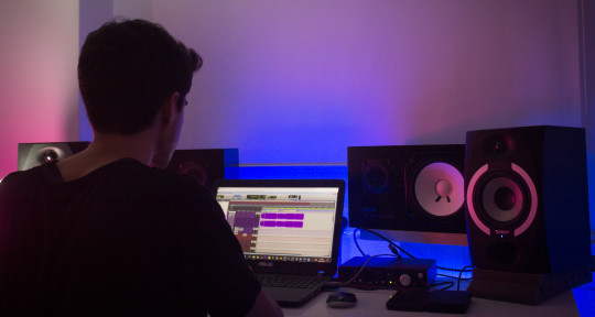 Mixing & Mastering Engineer - Alex Soriano