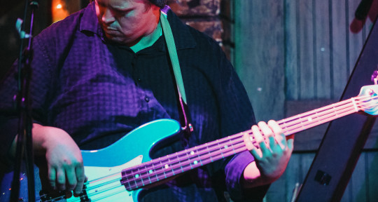 Session Bassist - Eric Lee