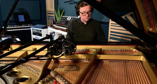 Session Piano/ keyboardist - Rob Taggart