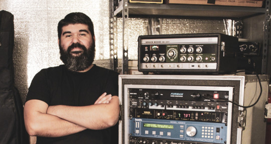 Mixing and Mastering engineer - Frank