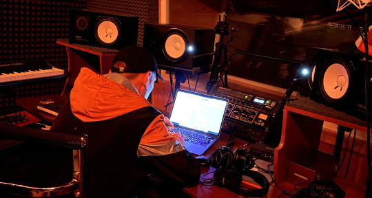 Music Producer,Mixing Engineer - Johnny Rhyme