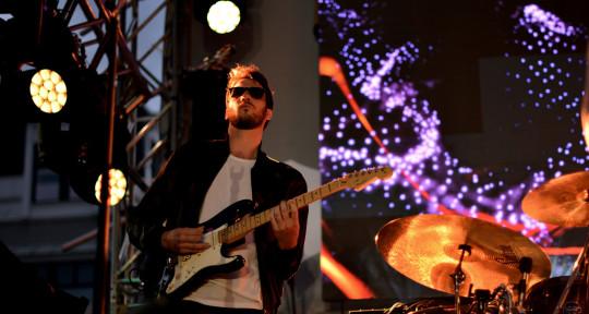 Session Guitarist / Composer - Frank O'Sullivan
