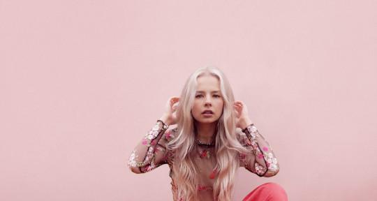 Topliner & Vocal Producer - Baylee J
