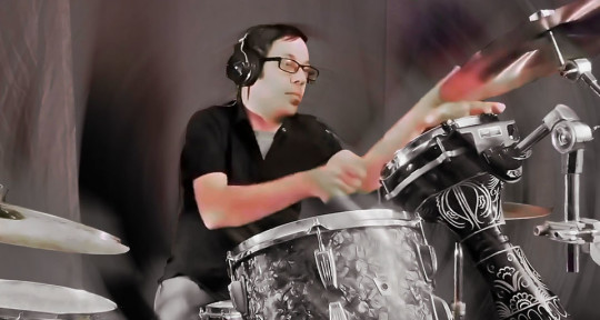 Session and Touring Drummer - Jeff Tripoli