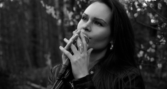 Singer, songwriter, pianist - Katja Savia
