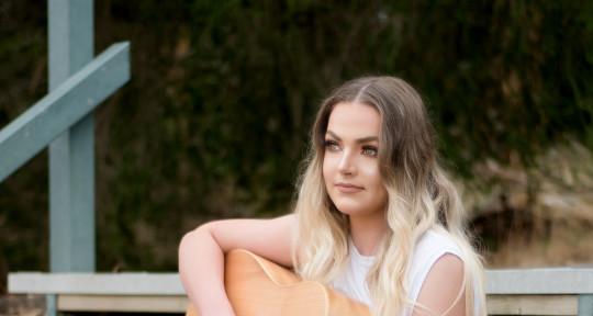 Songwriter Top Liner Vocalist  - Sarah Hyde Music