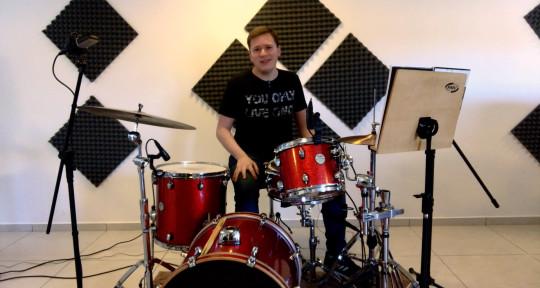 Session Drummer - Bruno de Césaro