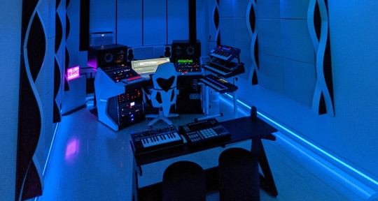 Producer/Mixer - DaStrouds
