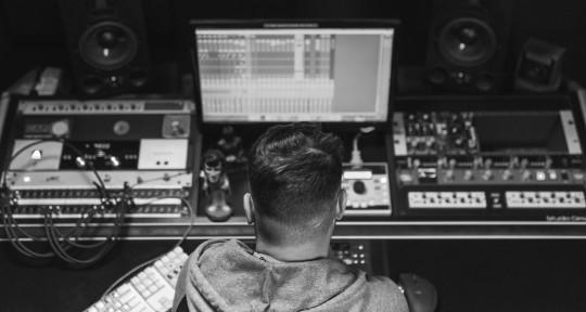 I mix sounds into music. - Martin Blue Noise