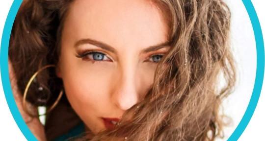 Singer, Eng/Spanish songwriter - Flavia Abadía