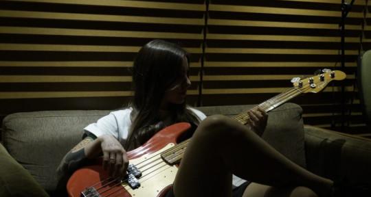 Session Bassist - Regina