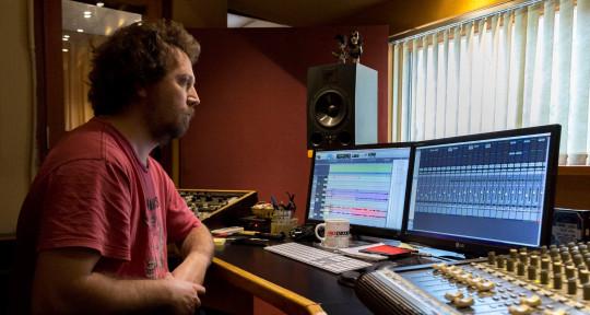 Remote Mixing & Mastering - Mario Carnerero