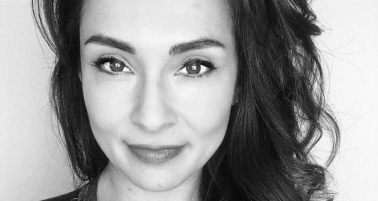 Latin Pop Singer Songwriter - Tanya Nielsen