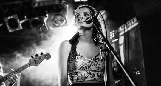 Singer/Songwriter/Composer - Wendy Vezza