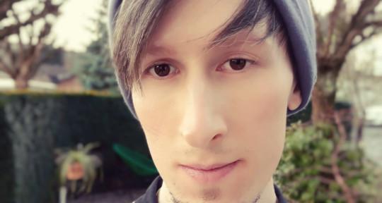Singer/Songwriter, Pianist - Elen Andrew