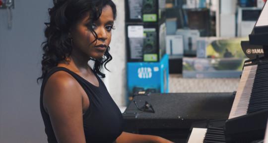 Singer | Songwriter | Mixer - Liyah Greenidge