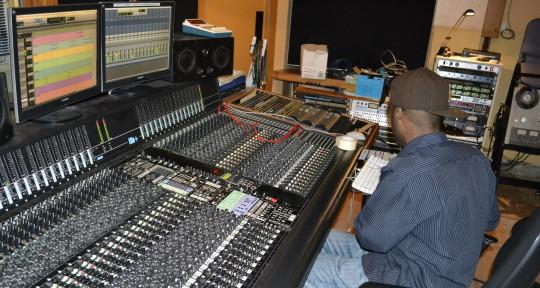Music Producer - Mr Hvndred Plus