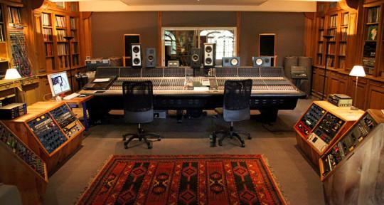 Producer, beatmaker songwriter - Paco