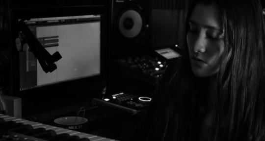 Singer/Voc.Arranger/Producer - Lom