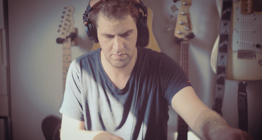 Music Producer, Session Player - Benny Weill