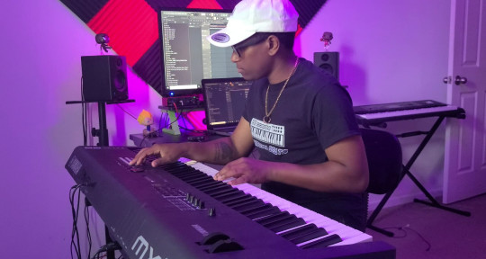 Keyboardist & Music Producer - Whiteboi Beats
