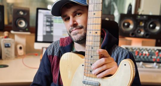 Session Guitar Player - Coqui Rodriguez