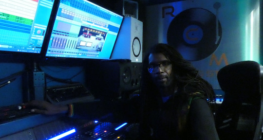 Reggae Urban Groove production - Richie Maynard aka Fada Rebbs
