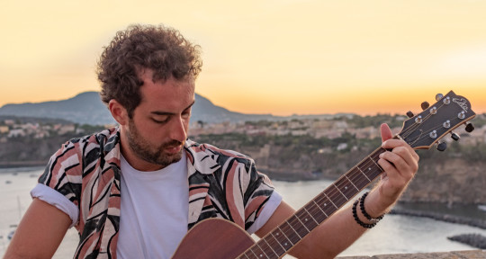 Does it have strings?  - Michele Boni