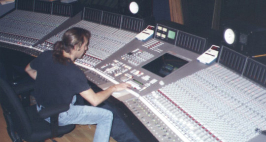 Producer/Mixer/Remixer - Gary Thomas Wright