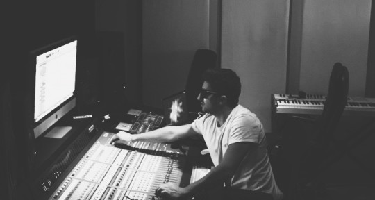Producer | Mixer | Songwriter - Paul Spade