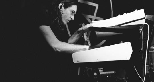 Synth Wizard - Nigel Wilson