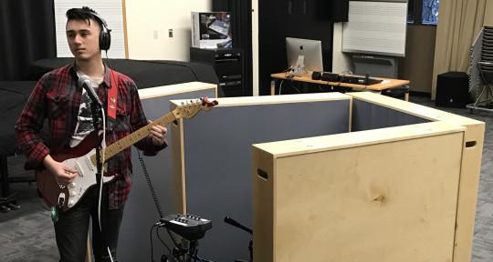 Session Guitarist - Kyle Dewitt