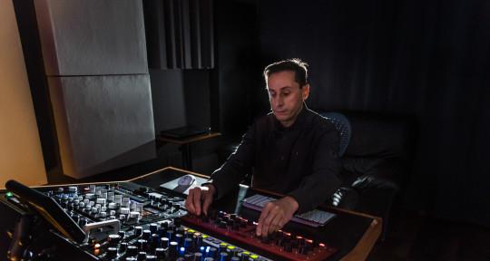 Mastering engineer - Javier CC Mastering