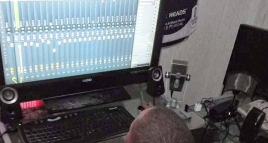 I produce beats - Lil jr