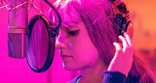 Singer, Songwriter, Topliner - Lexi Scatena
