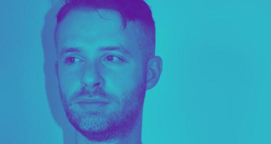 Singer / Songwriter / Pianist - David Green