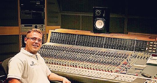 Music Producer,Audio Engineer - Angelo Producer
