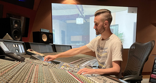 Mixing, Mastering & Producer - Charly Degut