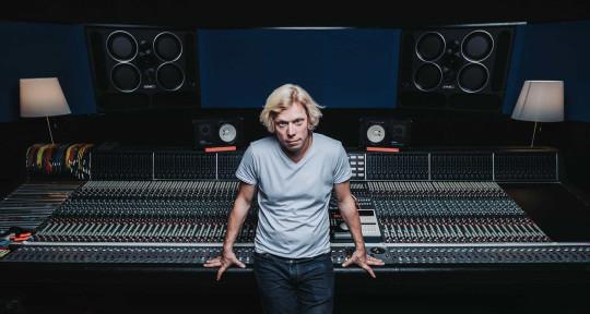 Producer/Mixer/guitarist - Adrian Breakspear