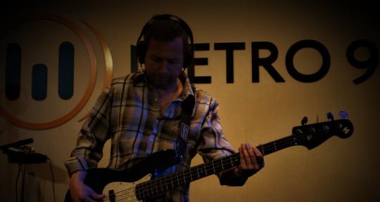 Session bass player - Esteban Tereschuk