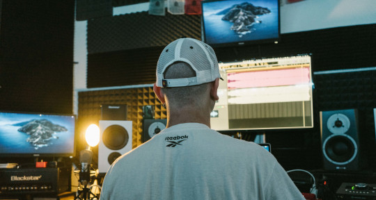 Production, Mix&Master, singer - Eis Music