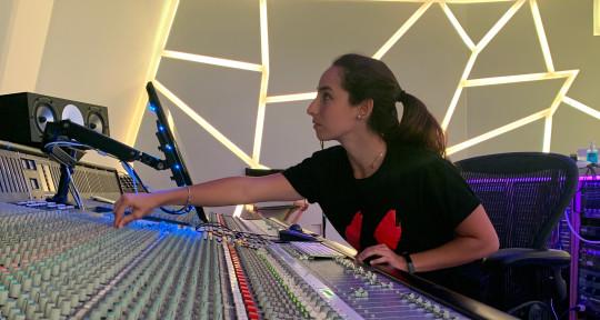 Latina Music Producer/Engineer - Bere Gonzalo