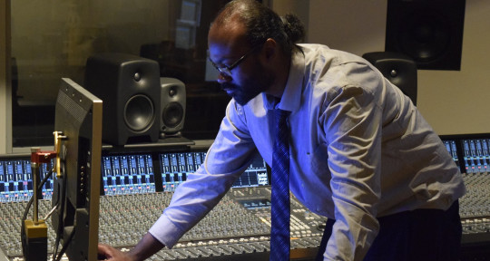 Recording/Mixing Engineer - Vinny Cane
