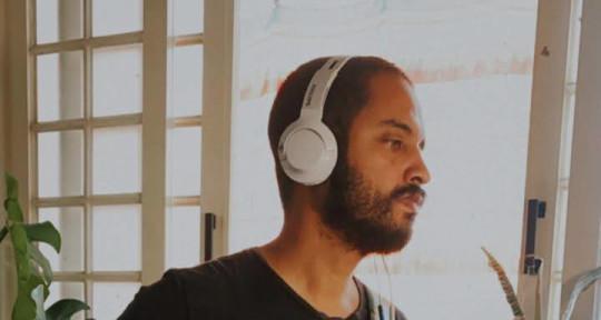 Session Bassist, Producer - Vinicius Veloso